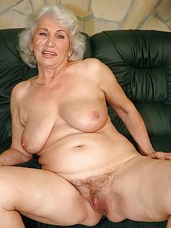 Mature Granny Pics